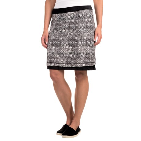 ExOfficio Wanderlux Reversible Printed Skirt - UPF 30+ For Women) in Pebble