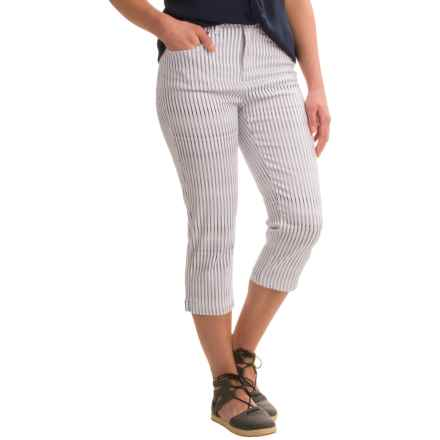 FDJ French Dressing Suzanne Linear Twist Stretch Capris (For Women) in Navy/White - Closeouts