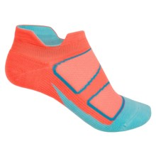 Feetures Discontinued Elite No-Show Socks - Below the Ankle (For Women) in Coral/Deep Pink - Closeouts