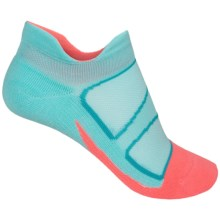 Feetures Elite No-Show Socks - Below the Ankle (For Women) in Aruba Blue/Coral - Closeouts