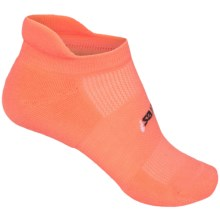 Feetures High-Performance No-Show Socks - Below the Ankle (For Women) in Coral - Closeouts