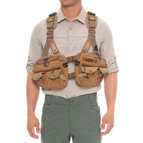 Fishpond Vaquero Tech Pack Vest - Waxed Cotton in Earth