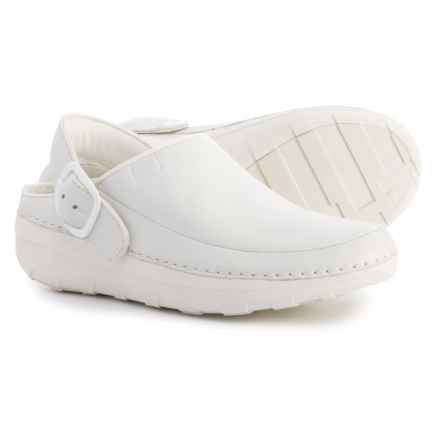 FitFlop Gogh Pro Superlight Clogs - Leather (For Women) in Urban White - Closeouts