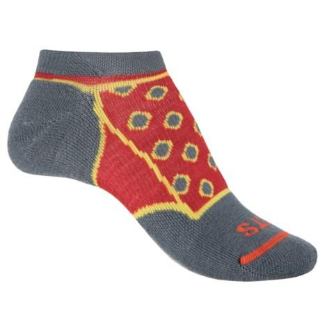 FITS Light Runner Diamond Socks - Merino Wool, Below the Ankle (For Women) in Stormy Weather Red