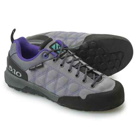 Five Ten Guide Tennie Canvas Approach Shoes (For Women) in Charcoal/Iris - Closeouts