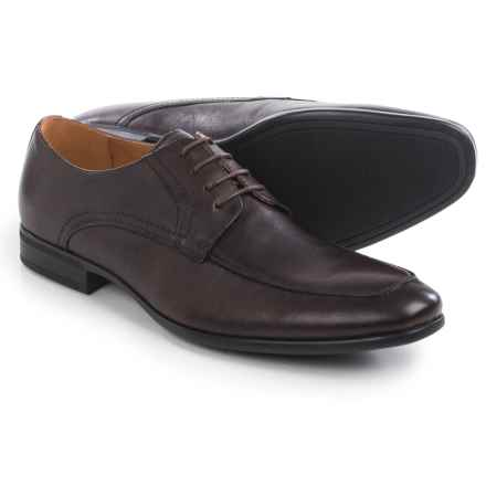 Florsheim Burbank Moc-Toe Oxford Shoes (For Men) in Brown - Closeouts