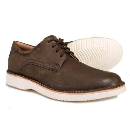 Florsheim Navigator Oxford Shoes - Nubuck (For Men) in Brown