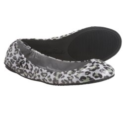 Footzyfolds Betsy Shoes - Slip-Ons (For Women) in Cheeta