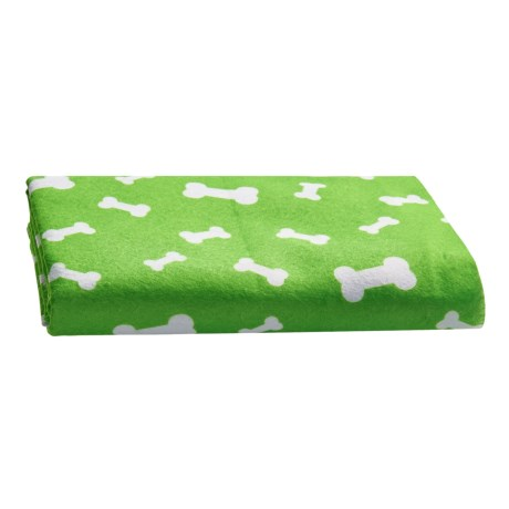 """Four Paws Magic Coat Super-Absorbent Dog Towel - 30x25"""" in Green"""