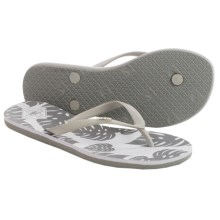 Freewaters Tropea Print Flip-Flops (For Women) in Silver/Grey Print - Closeouts