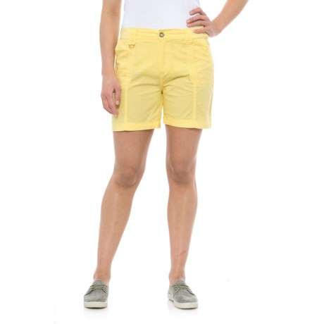 Fresh Solid Cotton Shorts (For Women) in Snap Dragon
