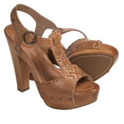 Frye Fran Artisanal Sandals - Studded T-Strap (For Women) in Natural