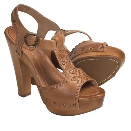 Frye Fran Artisanal Sandals - Studded T-Strap (For Women) in Natural