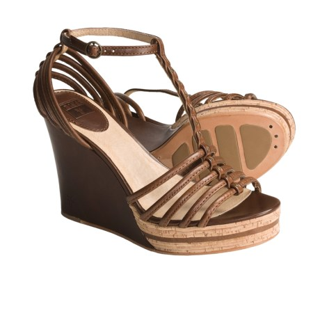 Frye Shay Strappy Sandals - Leather, T-Strap (For Women) in Brown