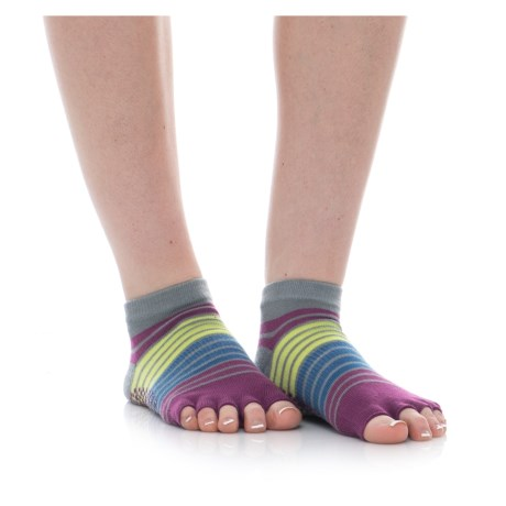 Gaiam Toeless Yoga Socks - Ankle (For Women) in Bright Bouquet