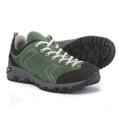Garsport Heckla Hiking Shoes (For Men) in Forest Green