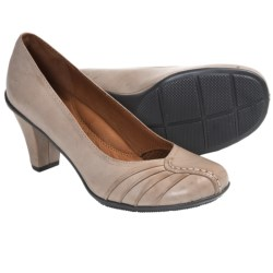 Gentle Souls Osaka Sky Pumps (For Women) in Charcoal