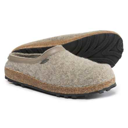 Giesswein Acadia Clogs (For Men and Women) in Sand - Closeouts
