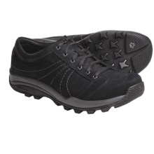 GoLite Discover Lite Shoes (For Men) in Black/White Stitch - Closeouts