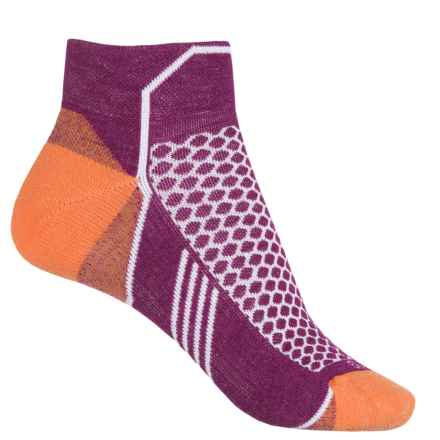 Goodhew Sockwell Incline Low Compression Socks - Quarter Crew (For Women) in 330 Violet - Closeouts