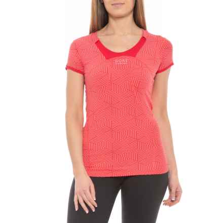 Gore Running Wear Air Print T-Shirt - Short Sleeve (For Women) in Coral Red/Rich Red - Closeouts