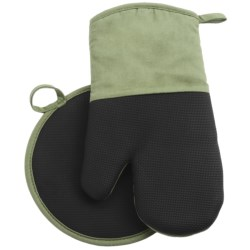 Gourmet Club Neoprene Pot Holder and Oven Mitt Set in Red