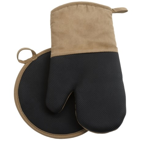 Gourmet Club Neoprene Pot Holder and Oven Mitt Set in Taupe