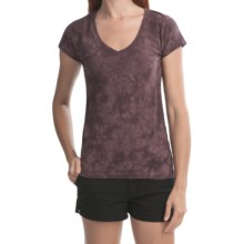 Gramicci Tara Tie-Dye V-Neck T-Shirt - UPF 20, Hemp-Organic Cotton, Short Sleeve (For Women) in Huckle Berry - Closeouts