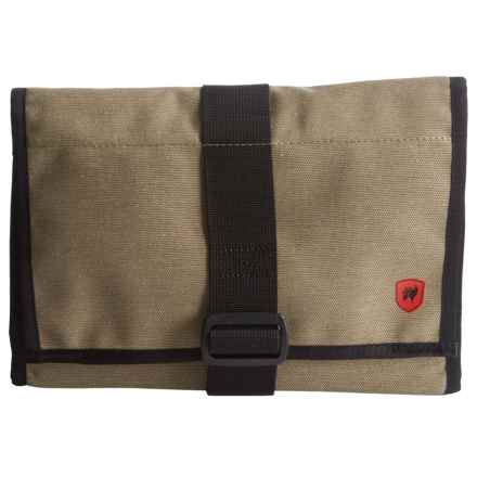 Grand Trunk Getaway Toiletry Bag - Medium in Sahara - Closeouts