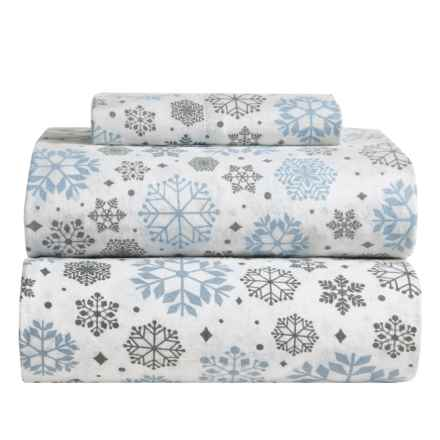 Great Bay Home Stratton Printed Flannel Sheet Set - Twin in Snowflakes - Closeouts