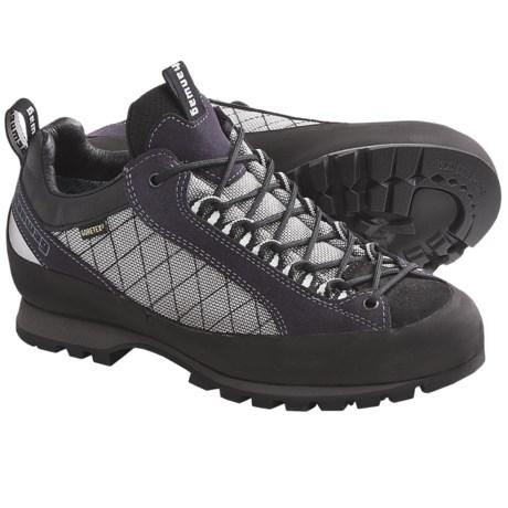 Hanwag Badile Low Gore-Tex® Trail Shoes - Waterproof (For Men) in Pflaume