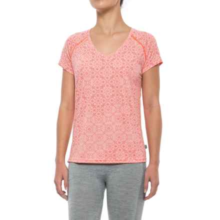 Helly Hansen Active Flow Base Layer Top - UPF 50, Short Sleeve (For Women) in Blossom Print - Closeouts
