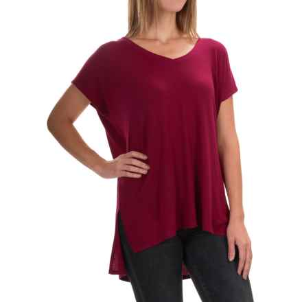 High-Low Shirt - Short Sleeve (For Women) in Very Berry - 2nds