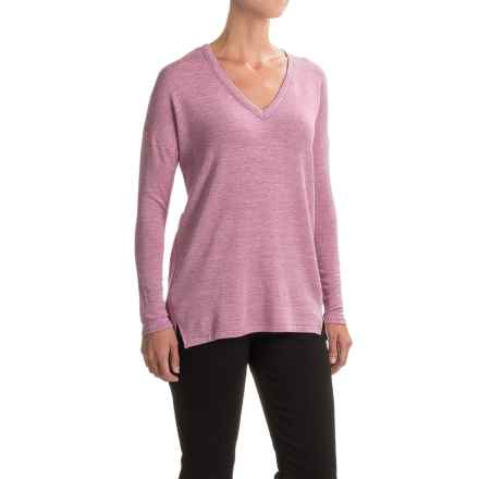 High-Low Stretch V-Neck Shirt - Long Sleeve (For Women) in Pink - 2nds