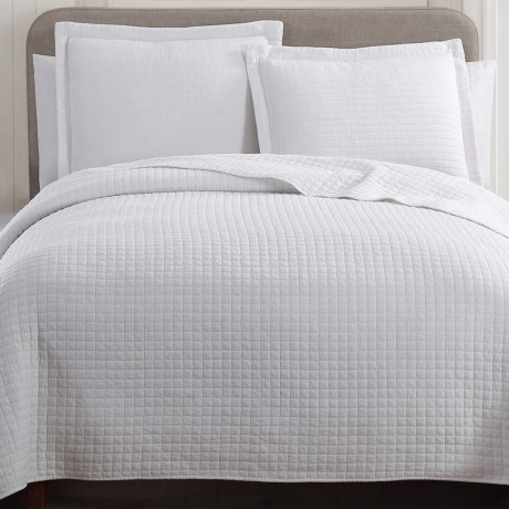 Hill & Holmes Stonewashed Quilt Set - Queen in White