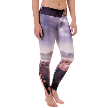 Hot Chillys MTF4000 Printed Leggings - Midweight (For Women) in Route 66 - Closeouts