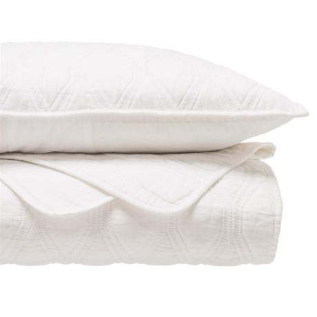 HOTEL BALFOUR Quilt and Sham Set - Full-Queen in Bright White