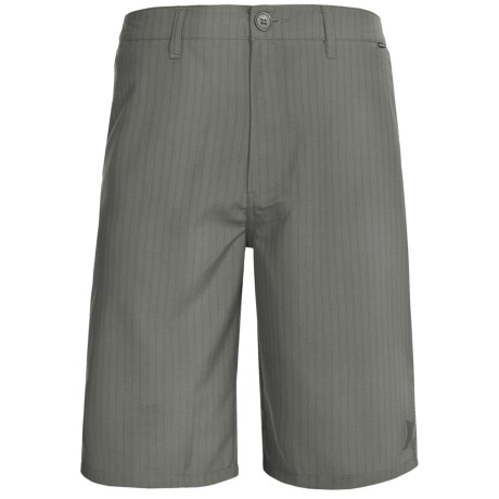 Hurley Rivingston Walkshorts (For Men) in Graphite