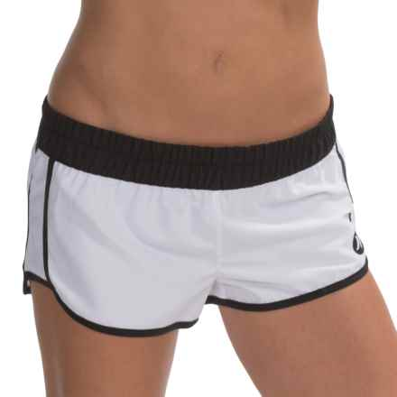 Hurley Supersuede Solid Beachrider Shorts (For Women) in White - Closeouts