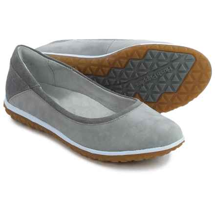 Hush Puppies Berkleigh Audra Flats - Nubuck (For Women) in Smoke Nubuck - Closeouts