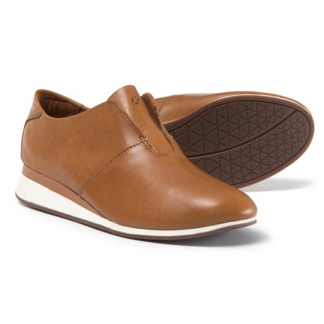 Hush Puppies Odessa Evaro Shoes - Leather, Slip-Ons (For Women) in Tan