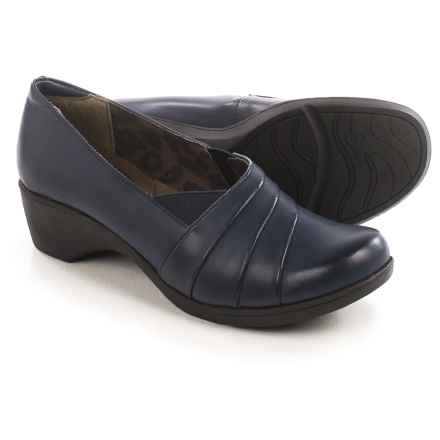 Hush Puppies Soft Style Kambra Shoes - Vegan Leather, Slip-Ons (For Women) in Navy Capara Burnished - Closeouts