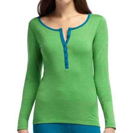 Icebreaker Bodyfit 200 Oasis Base Layer Top - Merino Wool, Henley (For Women) in Frond/Cruise - Closeouts