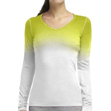 Icebreaker Bodyit 200 Oasis V Dawn dipdye Base Layer Top - Merino Wool, Long Sleeve (For Women) in Snow - Closeouts