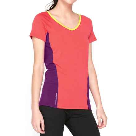 Icebreaker Cool-Lite Spark Shirt - UPF 30+, Merino Wool, Short Sleeve (For Women) in Grapefruit/Vivid/Fuse - Closeouts