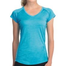 Icebreaker GT Flash T-Shirt - Merino Wool, UPF 40+, V-Neck, Short Sleeve (For Women) in Capri - Closeouts