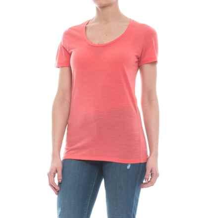 Icebreaker Tech Lite Scoop Neck T-Shirt - UPF 20+, Merino Wool, Short Sleeve (For Women) in Tulip - Closeouts
