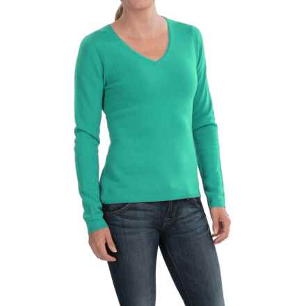 In Cashmere V-Neck Sweater (For Women) in Emerald Shine - Closeouts