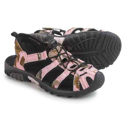 Itasca Spring Harbor Sandals (For Big Girls) in Pink Camo - Closeouts