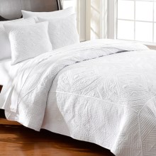 Ivy Hill Home Bellvue Quilt Set - Full-Queen in White - Overstock